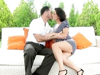 Mom Hd Dark Haired Cougar Gets Some Loving